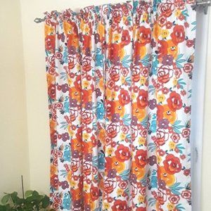 The Pioneer Woman Curtains NWOT, 2 Pairs
